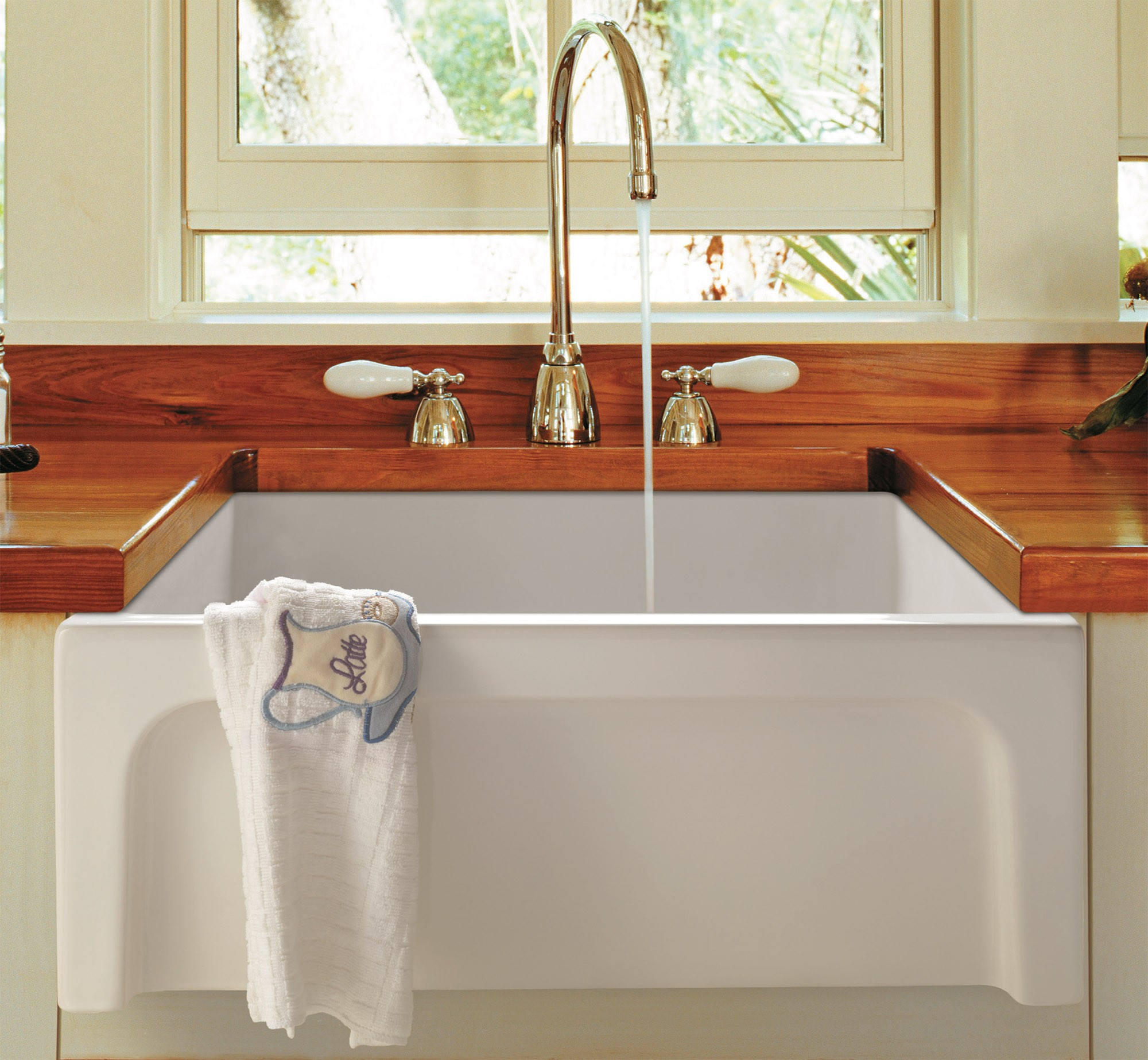 The Use of Fireclay Farm Sinks in the Laundry Room