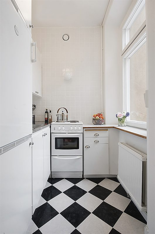 If White Is Not Your Color, You Can Combine A Few Low Contrasting Colors Of  The Same Color Family And Play Around A Bit To Brighten Up The Kitchen.