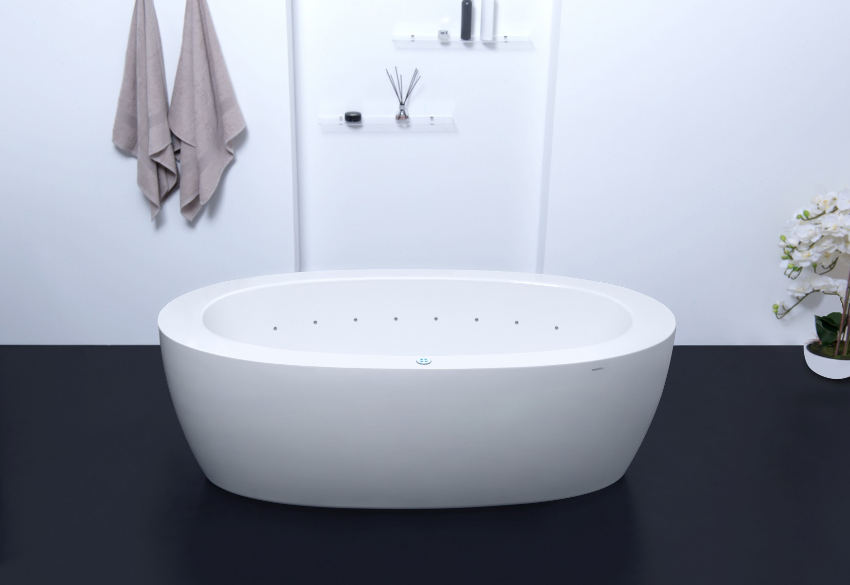 Aquatica PS174B-Wht-Rlx Purescape Free Standing Relax Air Massage Bathtub in White